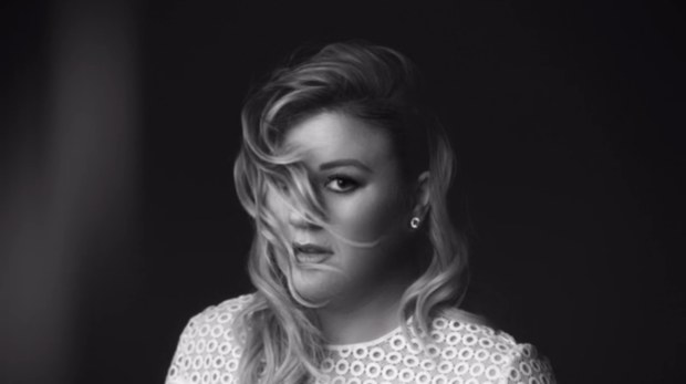 Kelly Clarkson1